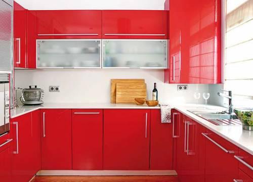 Красные маленькие кухни фото